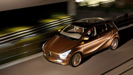 Компания Mercedes запускает автомобиль BlueZERO E-Cell Plus