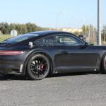 Компания Порше впервый раз вывела натесты модель 911 R