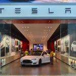 Tesla Motors непоставит клиентам обещанные 90 тыс. машин втекущем году