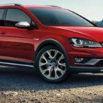 Новые версии хэтчбека VW Golf появились вреализации