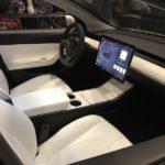 Новый электрокар Tesla Model 3 небудет обустроен приборной панелью