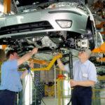 Производство авто вАнглии всередине весны снизилось на18,2%