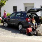 Медведевым утверждены льготы наприобретение авто многодетными семьями