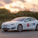 Tesla Model S100D проехала неменее 1 000 кмбез подзарядки