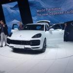 Порш Cayenne Turbo приехал воФранкфурт сактивным антикрылом
