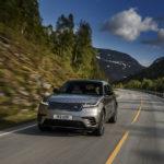 В РФ начались продажи нового кроссовера Range Rover Velar