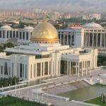 Президент Туркмении предложил народу бронированные Mercedes-Maybach