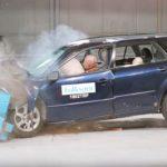 Шведы провели краш-тесты ржавых подержанных авто