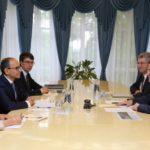 Дмитрий Азаров провел рабочую встречу спрезидентом «АвтоВАЗа» Ивом Каракатзанисом